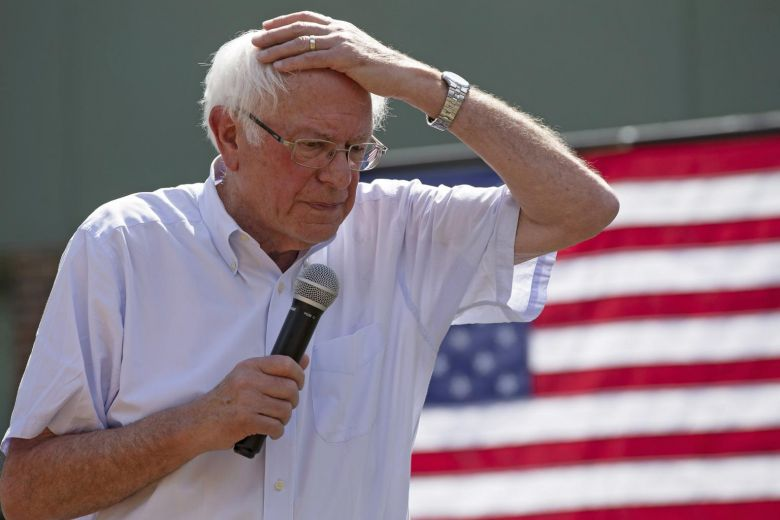 US Senator Bernie Sanders had a heart attack, his doctorssay