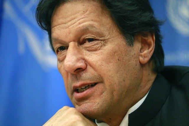 PM Imran praises economic team for rupeeappreciation