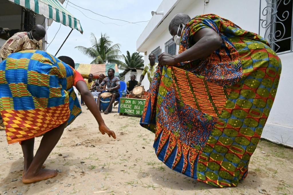 Ivory Coast: King orders a procession of naked women to ward off coronavirus spirits
